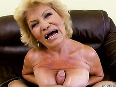 Effie with juicy knockers does oral job for hard cocked fuck buddy to enjoy