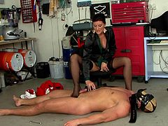 Nasty mature enjoys dominating and enslaving her horny partner