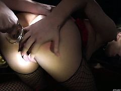 Flirtatious harlot Sovereign Syre is in the mood for lesbian sex and spreads for Bailey Blue