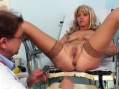 Enjoy blonde mature having her cramped pussy checked well by hot doctor
