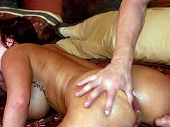 Astounding babe receives warm stimulation in a stunning hardcore threesome show