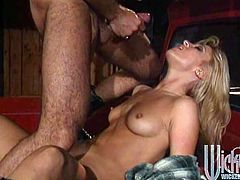 Pretty blonde Jill Kelly moves her legs wide apart and lets her man lick her snatch. Then they have doggy style anal sex and enjoy it much.