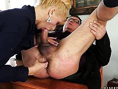 Blonde cant wait to be fucked in her mouth by hard dicked guy
