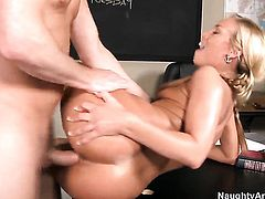 Nicole Aniston with round ass and shaved muff feels like she is Mark Woods fuck toy