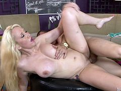 Watch this hardcore scene where the sexy Alana Evans ends up splattered by cum after taking a pounding from a horny guy.