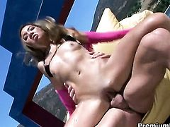 Exotic Keeani Lei does dirty things and then gets her pretty face painted with man semen