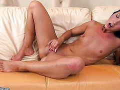 Redhead Jane F. is on fire in solo action
