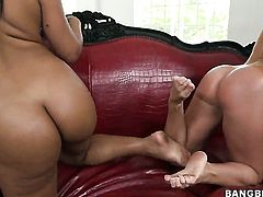 Pretty latin honey Rose with big booty gets satisfaction with lesbian Nikki Delano