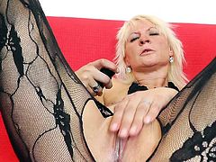 Insolent milf in a rough session of top solo pussy masturbation