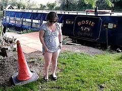 Flashing in a riverside pub garden