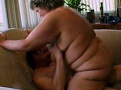 Having young cock to pound her mature pussy turns her into a right slut