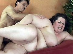 Really fat brunette milf fucked by skinny old man in her unshaved pussy.