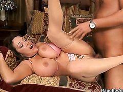 Rocco Reed is one hard-dicked dude who loves fucking Kandi Cox with bubbly bottom and bald beaver