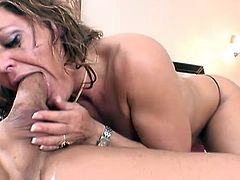 MILF Kelly Leigh gives a nasty deepthroat blowjob