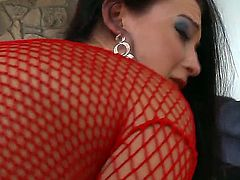 Brunette woman Cheyenne Jewel looks amazing and today you could stare at her fooling around with John Stagliano. Examine cool babe showing her butt and boobs before fellow.