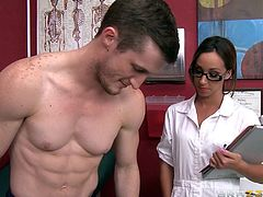 Doc Jada is a beauty! She had a normal day of work until this guy paid her a visit. He had a very big problem with his cock and the beautiful doc had to solve it. She asked him to undress and then greedily grabbed his penis and shoved it in her mouth. The doc sucked him hard and then got her pussy licked.
