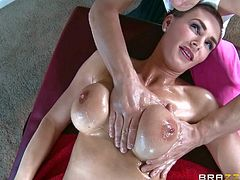 Busty milf Tanya Tate loses her panties during massage session