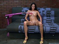 Have a great time jerking off to this hot scene where the smoking hot Nikki Daniels pleases herself with a machine that has her hitting some high notes.