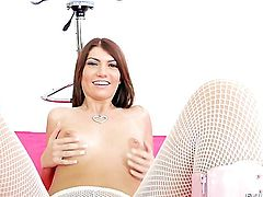 Cassandra Nix gets boned in her snatch