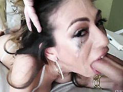 Heather Vahn has some time to get some pleasure with Jonni Darkkos worm in her mouth