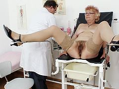 Feeling her pussy getting stretched out reminds her of the young age