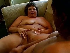 A fat mature woman has an unforgettable sex. This BBW lies down on a sofa and gets rammed deep in her vagina. A guy makes every effort to make Tia cum.
