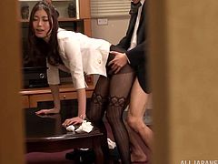 Check out this hardcore scene where the horny secretary Natsume Inagaw is fucked by her boss in the office after blowing hom.