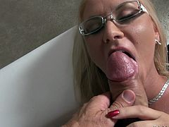 Watch this slutty blonde end up with a messy facial after being fucked by this guy in this great hardcore scene.
