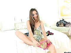 Jenna Haze cant wait to be fucked in her mouth by hard dicked guy