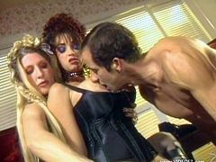 Press splay to watch a blonde femdom, with big tits wearing leather clothes, while she mistreats a guy and a girl so she can feel pleasure.