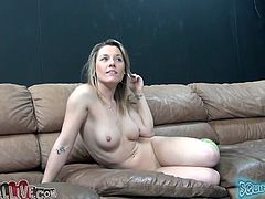 Filthy blondie Sierra Day shows her feet to the camera