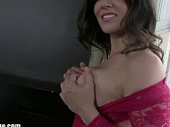Make sure you never miss the stunning Sunny Leone showing off her perfect body on the camera. Her tits are all out and she starts to play with her big juggs.