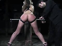 Amazing Jade Marxxx has constrained Up To A Post And Toyed