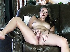 Shae Snow has a nice time masturbating her beaver