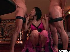 Threesome sex with Maria Ozawa the slut