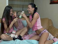 18 X Girls brings you a hell of a free porn video where you can see how two cute brunette teens play and kiss together while assuming some very interesting poses.