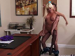 Horny slut in stockings Nikita Von James is fucked by Bill Bailey