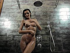 Juicy Sunshine Has A Soapy Shower In A Solo Model Clip