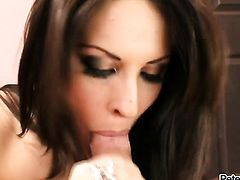 Prettied up kitty Chelsie Rae is good at fucking and her hard dicked bang buddy knows it