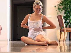 Press play to watch this blonde babe, with natural jugs and a nice ass, while she stretches like a real gymnast in a really erotic way.