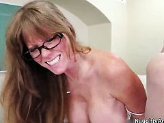 Jordan Ash gets seduced into fucking by Darla Crane with big boobs and clean muff