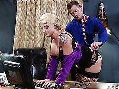 Bill Bailey gets his always hard love torpedo used by anal-loving Leya Falcon with big breasts
