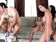 With bubbly bottom eats Jessica Lynns wet hole like a pro  in lesbian action