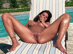 Hot masturbation video with sizzling brunette Cindy Hope