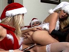 All dressed in christams costumes, dirty lesbos are in for a harsh masturbation scene during perfect trio spectacle