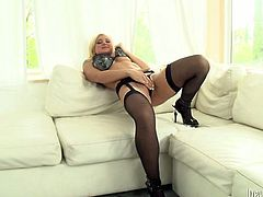 Kinky and attractive light haired booty bitch with nice body takes a doggystyle pose showing her ass. Have a look at this chick in Fame Digital sex video.