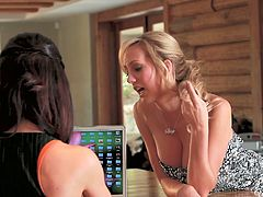 Horny lesbo chicks Brett Rossi and Kendall Karson taste sweet vaginas of one another