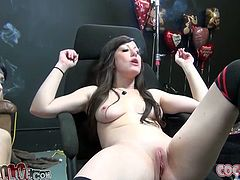 You must see how bonny brunette with big boobs Jennifer White and funky goth chick Asphyxia Noir give amazing double blowjob to one big dicked fucker.