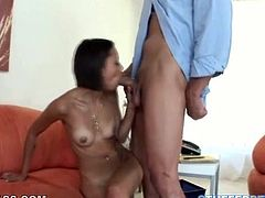 Young and perverted brunetet Mia Lina gives her man an amazing blowjob on her knees and later gets her ass and pussy licked.