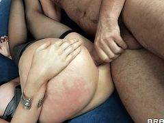 Get a load of this amazing hardcore scene where the sexy mom Diana Prince is fucked up her ass while she wears stockings.